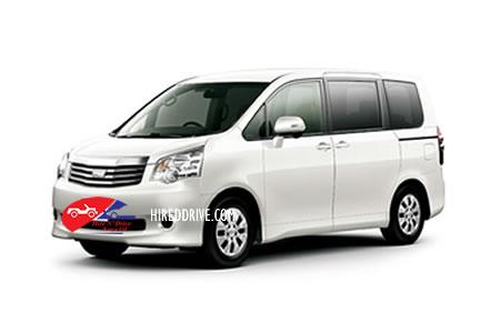 Image of a Toyota Noah